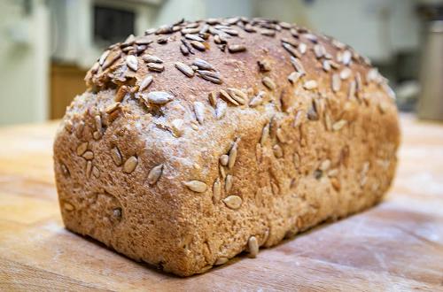 4 seed wheaten tin loaf