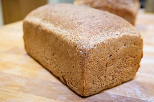 Spelt tin loaf