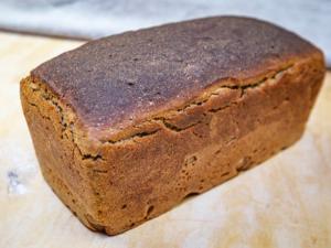 Rye sourdough tin loaf