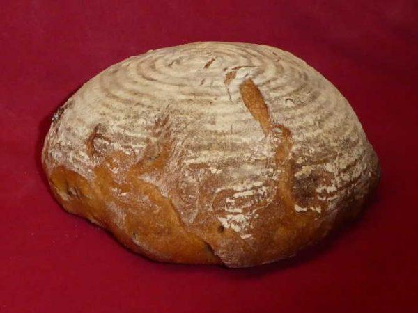 Walnut sourdough with walnuts